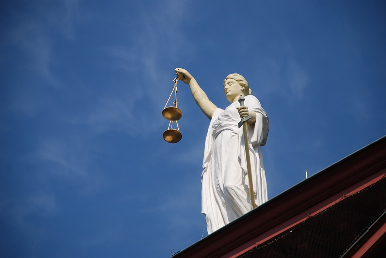adekwa-avocats-juge-et-equite-02